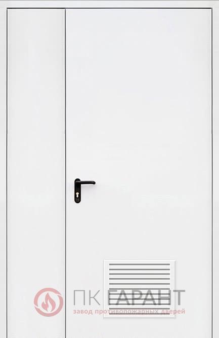 Металлическая дверь Полуторная ДПМ-02-В №32 EI-60 с противопожарной решеткой 300×150 мм